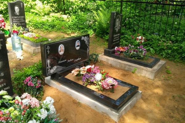 Уход за могилой: что нужно знать